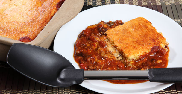 The plain non-scratch spoon with a plate of Cornbread chili.