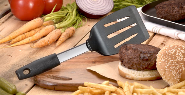 The non-stratch spatula with a hamburger.