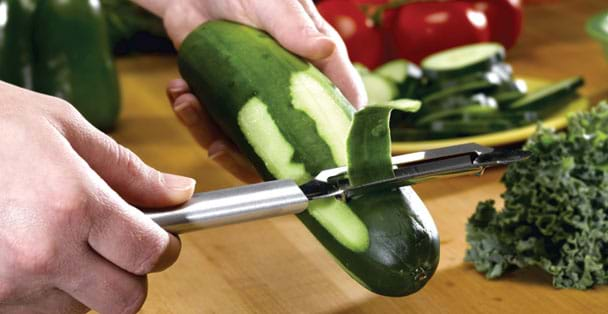 The Rada Cutlery Deluxe Vegetable Peeler Is A Stainless Steel Vegetable  Peeler With Sharp Blades.