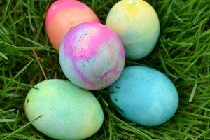A beautiful quintet of tie-dyed Easter eggs.