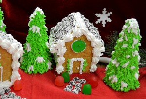 How to Make a gingerbread house - Rada Cutlery - Christmas treats