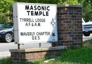 Masons and Order of Eastern Star sign in Waverly, Iowa