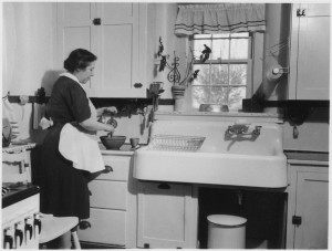 lossy-page1-791px-No_original_caption._(Woman_cooking_in_a_kitchen.)_-_NARA_-_513406.tif[1]