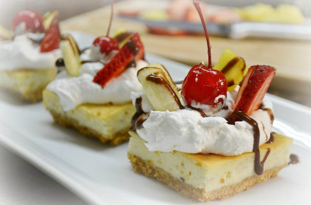 Banana Split Cheesecake Squares | Banana Cheesecake Summer Treat