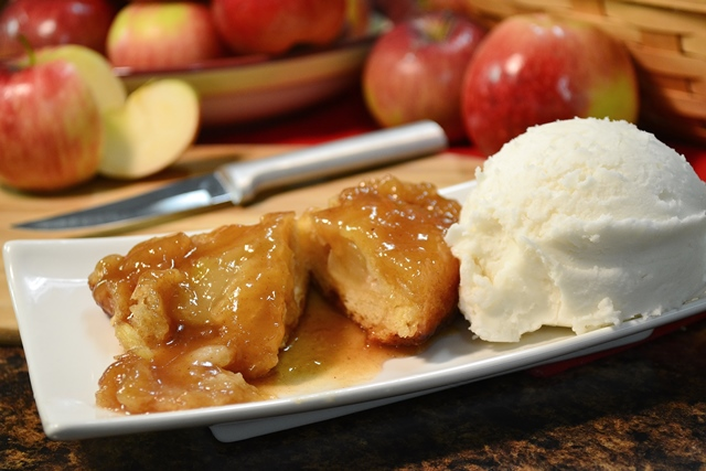 Fall Recipe Favorites | Southern Apple Dumplings