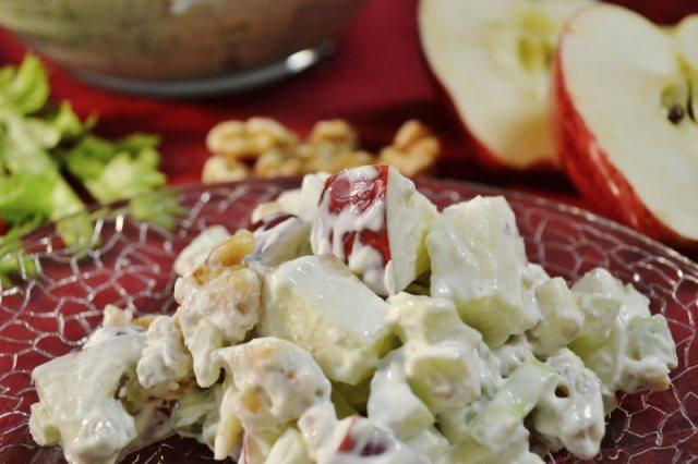 Waldorf Apple Salad | Classic Waldorf-Astoria Hotel Salad Recipe