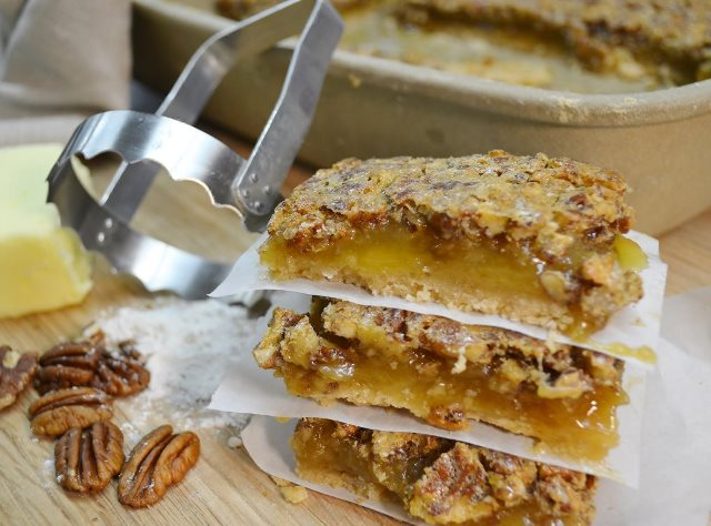 Delicious pecan pie bars and the Rada Serrated Food Chopper.