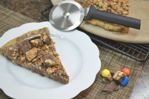 candy bar pizza