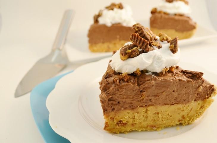 A delicious chocolate peanut butter pie with a Rada Pie Server.