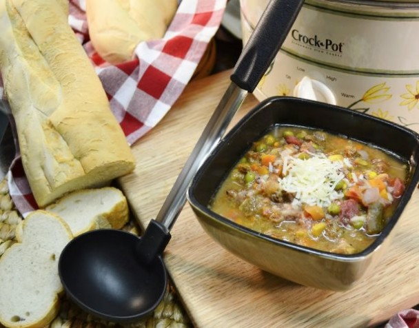 Slow Cooker Recipe |  Homemade Beef and Vegetable Soup