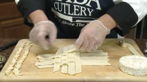 Making lattice crust