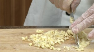 Mincing garlic