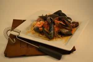 Mussels Marinara with the Rada Handi-Stir.