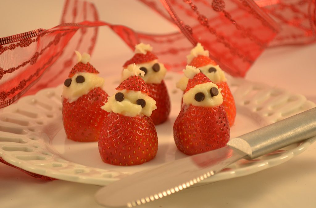 Cream Cheese Santa Claus Treats with a Rada Party Spreader.