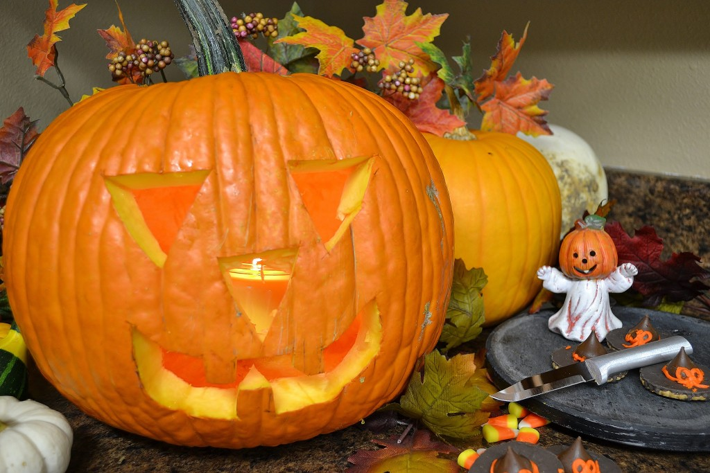 A scary Halloween pumpkin carved with Rada Cutlery products.