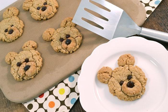 Delightful oatmeal bear cookies with a Rada Cutlery Turnover.
