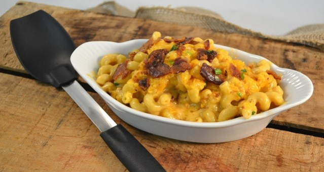A delicious dish of smoked mac and cheese.