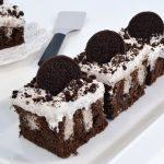 A delicious Oreo Poke Cake with a Rada Mini Server.