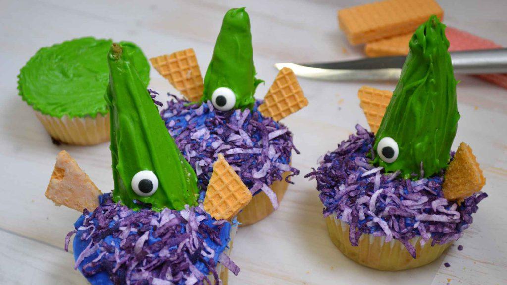 Eerie Alien Invader Cupcakes!